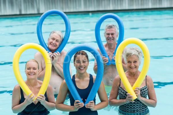 Femenino entrenador altos piscina Foto stock © wavebreak_media
