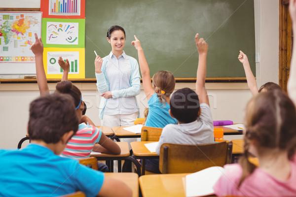 учитель вопросе класс женщину девушки Сток-фото © wavebreak_media