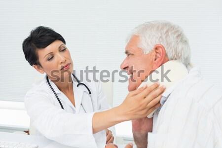 Dość pielęgniarki bicie serca pacjenta rodziny Zdjęcia stock © wavebreak_media