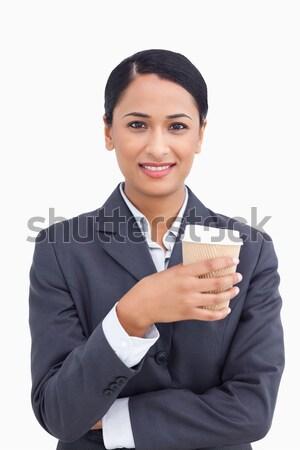 Glimlachend verkoopster papier beker witte Stockfoto © wavebreak_media