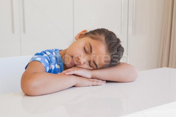 Bonitinho jovem cabeça tabela Foto stock © wavebreak_media