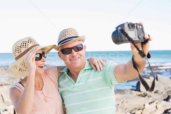 Gelukkig toevallig paar kust Stockfoto © wavebreak_media