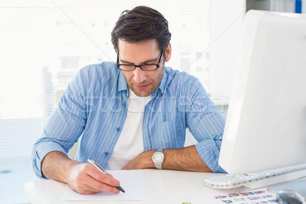 Foto editor schrijven papier kantoor man Stockfoto © wavebreak_media