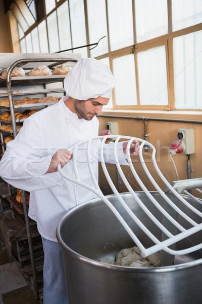 Baker industrielle mixeur boulangerie affaires hôtel Photo stock © wavebreak_media