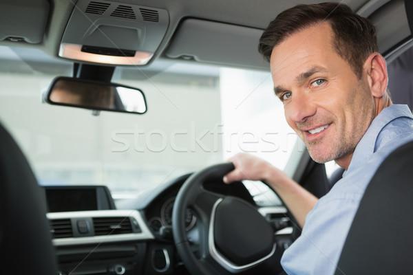 Sorrindo assento carro retrato camisas sorridente Foto stock © wavebreak_media