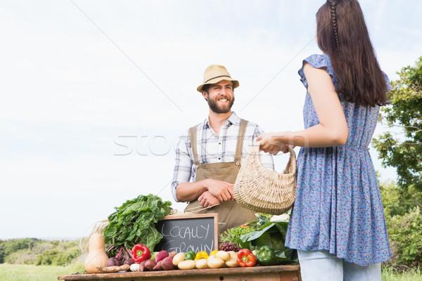 Agriculteur organique produire femme Photo stock © wavebreak_media