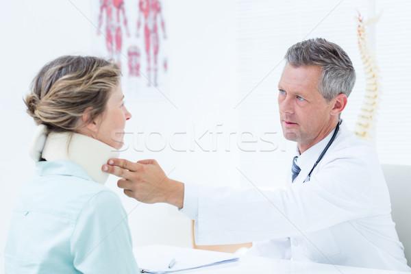 Arts nek patiënt medische kantoor ziekenhuis Stockfoto © wavebreak_media