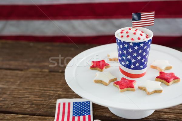 Hazafias kávé amerikai zászló közelkép fa asztal kék Stock fotó © wavebreak_media