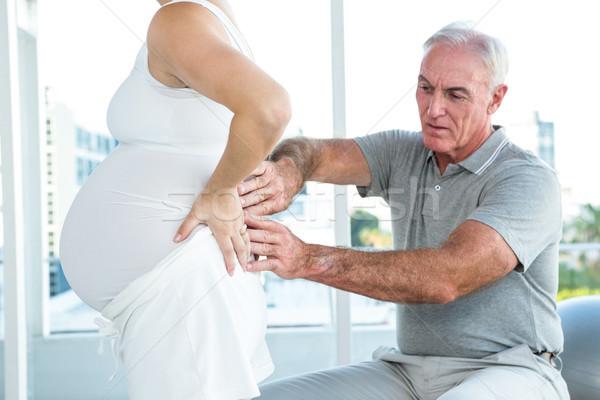терапевт назад беременная женщина здоровья клуба Сток-фото © wavebreak_media