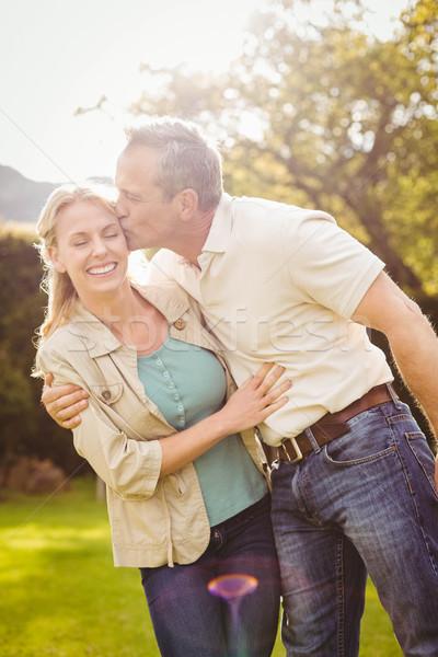 Marito bacio moglie guancia fuori donna Foto d'archivio © wavebreak_media