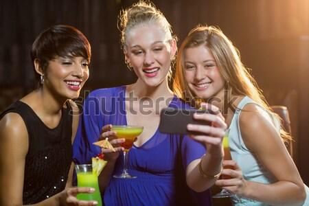 Kettő gyönyörű nők énekel dal együtt Stock fotó © wavebreak_media