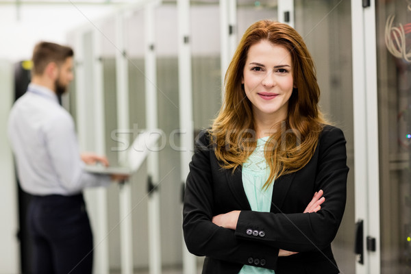 Techniker stehen Server Zimmer Porträt Stock foto © wavebreak_media
