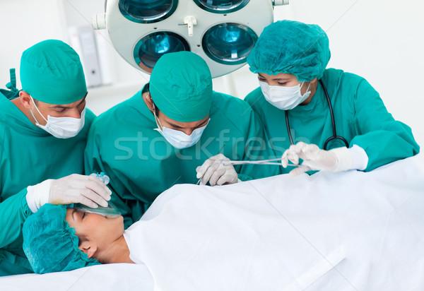 Cirurgiões paciente tabela hospital homem saúde Foto stock © wavebreak_media