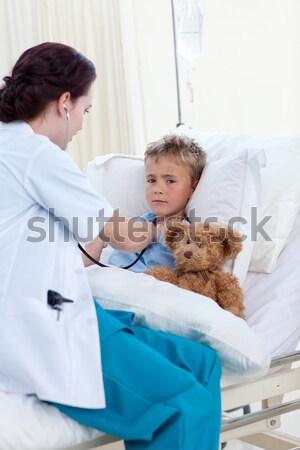 Imádnivaló kicsi fiú elvesz köhögés gyógyszer Stock fotó © wavebreak_media