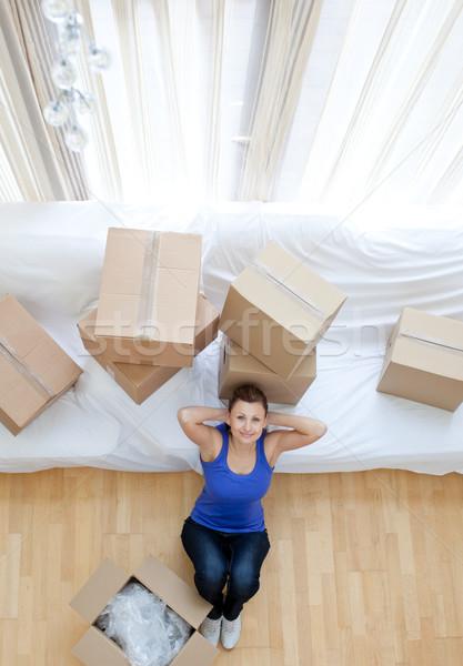 épuisé femme séance cases maison heureux Photo stock © wavebreak_media