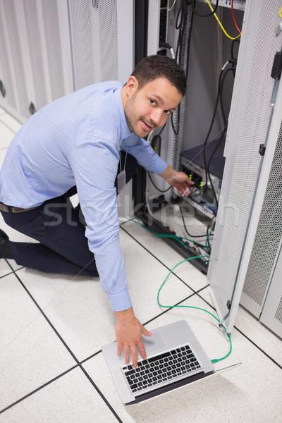 улыбаясь техник usb обслуживание компьютер работу Сток-фото © wavebreak_media