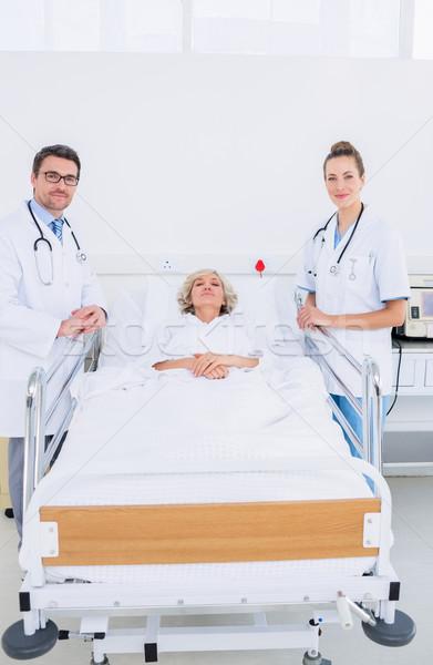 医師 女性 患者 病院 肖像 2 ストックフォト © wavebreak_media