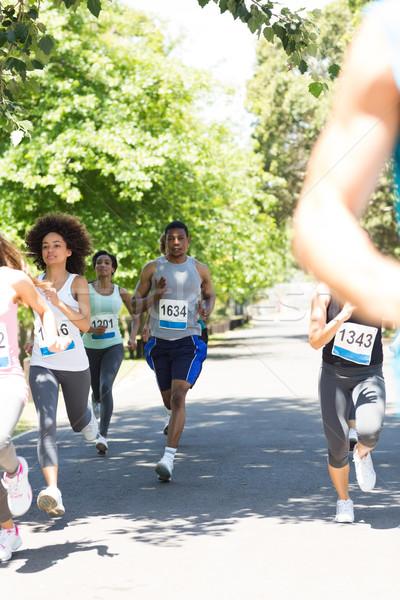 ランナー レース マラソン グループ 通り ツリー ストックフォト © wavebreak_media