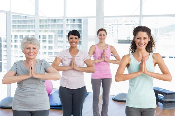 Stockfoto: Klasse · permanente · namaste · pose · yoga · portret