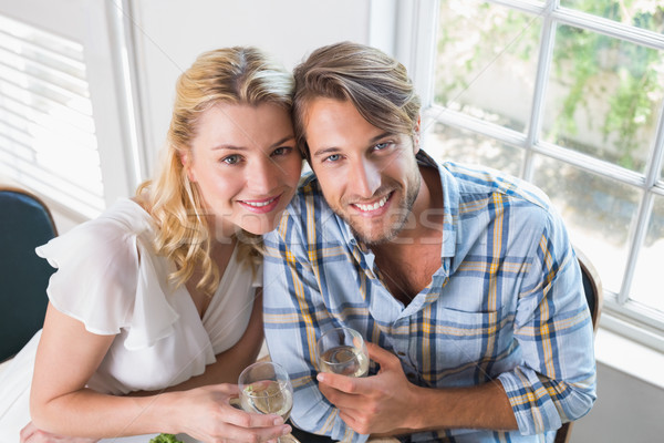 Cute sonriendo Pareja vino blanco junto Foto stock © wavebreak_media