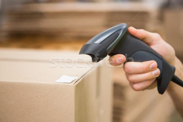 Munkás tart szkenner raktár közelkép dolgozik Stock fotó © wavebreak_media
