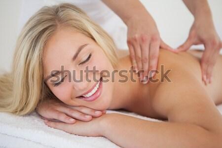 Mujer hermosa masaje mesa vista hermosa Foto stock © wavebreak_media