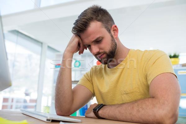 Depressief mannelijke uitvoerende werken computer kantoor Stockfoto © wavebreak_media