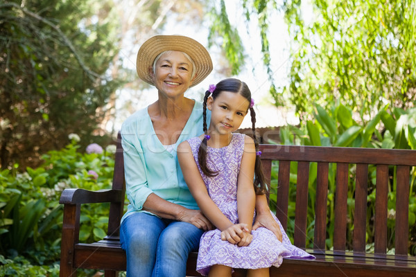Portré idős nő visel kalap ül Stock fotó © wavebreak_media