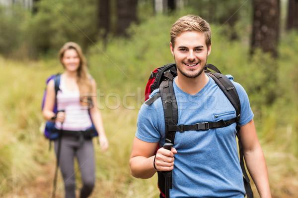 Porträt gut aussehend Wanderer Natur Frau glücklich Stock foto © wavebreak_media