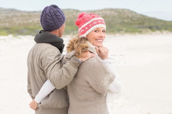 Heureux couple rive plage homme Photo stock © wavebreak_media