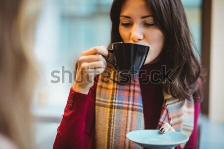 Mulher potável tequila tiro bela mulher sorrir Foto stock © wavebreak_media