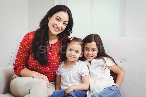Portre gülen anne ev oturma kanepe Stok fotoğraf © wavebreak_media
