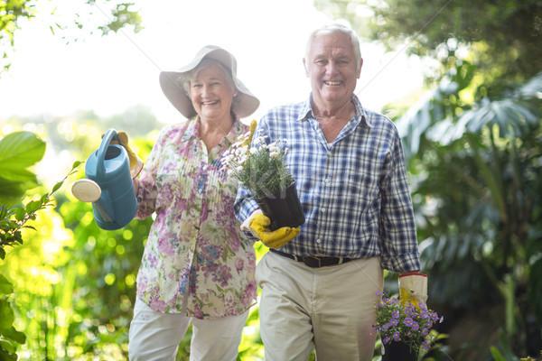 Portret senior man vrouw tuinieren uitrusting Stockfoto © wavebreak_media