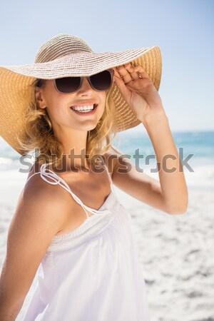 Gülen sarışın kadın poz plaj kadın mutlu Stok fotoğraf © wavebreak_media