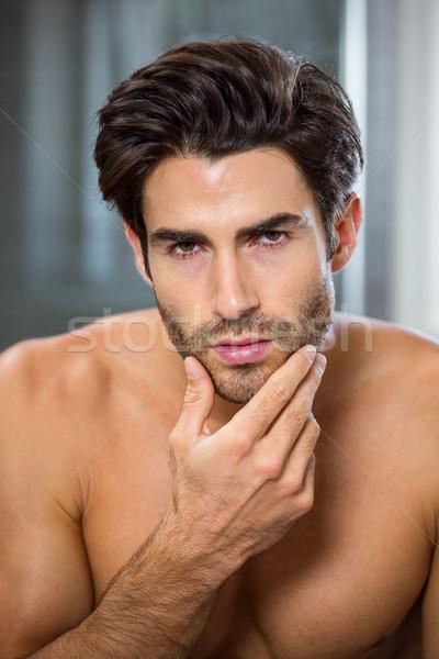 Férfi borosta fürdőszoba portré fiatalember arc Stock fotó © wavebreak_media