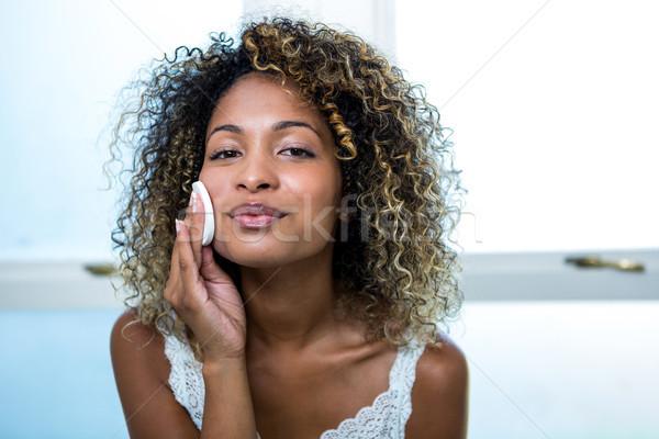 若い女性 洗浄 顔 スポンジ バス ホーム ストックフォト © wavebreak_media