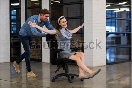 Feminino médico sessão cadeira de rodas masculino Foto stock © wavebreak_media
