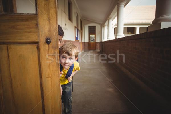 Felice corridoio donna porta istruzione Foto d'archivio © wavebreak_media