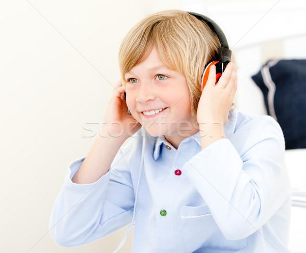 Aanbiddelijk jongen muziek slaapkamer meisje kinderen Stockfoto © wavebreak_media