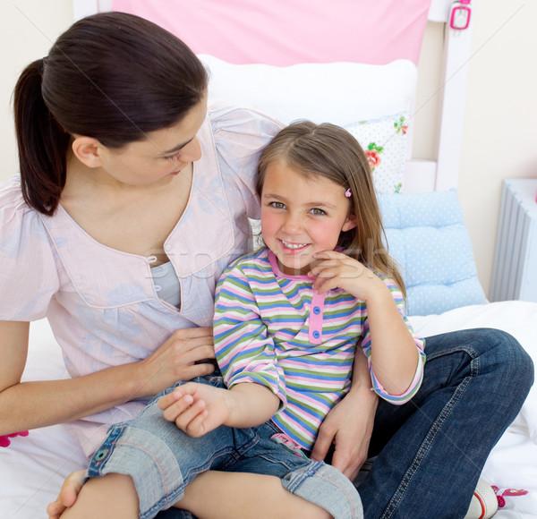 Aandachtig moeder spelen dochter slaapkamer meisje Stockfoto © wavebreak_media