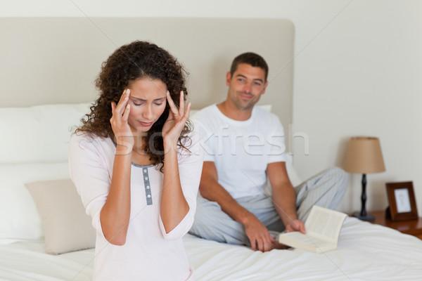 Kadın baş ağrısı koca okuma sevmek adam Stok fotoğraf © wavebreak_media