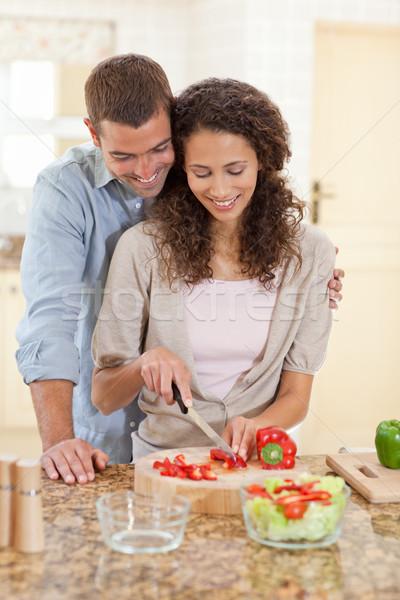 Hombre guapo cocina compañera casa mujer feliz Foto stock © wavebreak_media