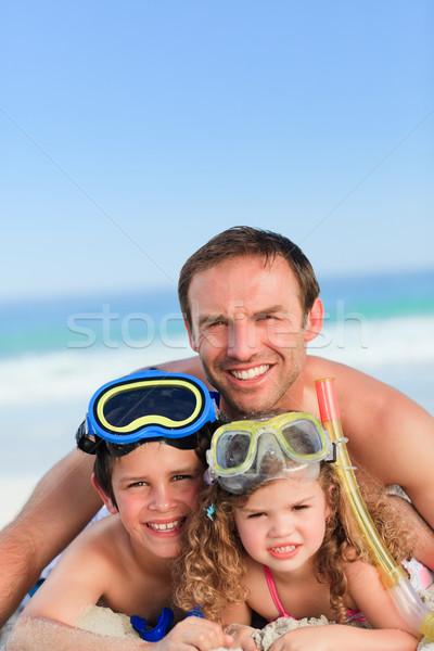 Gyerekek apa tengerpart víz arc boldog Stock fotó © wavebreak_media