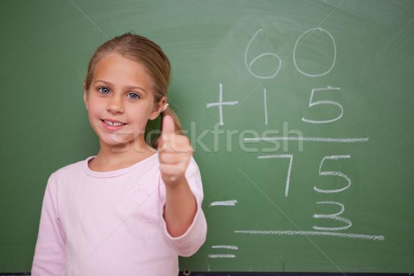 Stockfoto: Cute · schoolmeisje · duim · omhoog · Blackboard · school