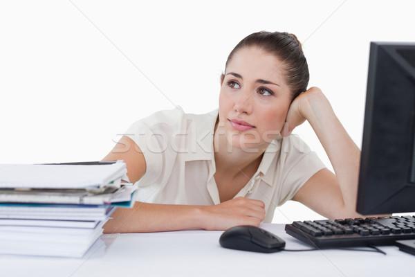 álmodik üzletasszony dől asztal fehér nő Stock fotó © wavebreak_media