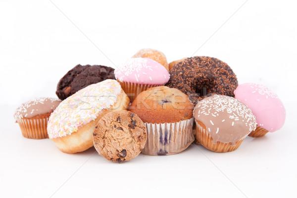 Kekler dışarı birlikte beyaz çikolata yeme Stok fotoğraf © wavebreak_media