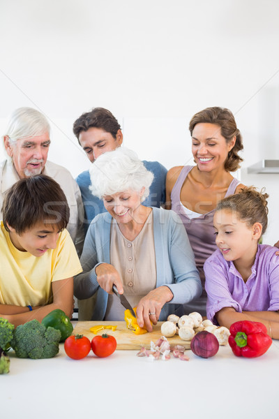 Familia viendo abuela pimienta cocina Foto stock © wavebreak_media