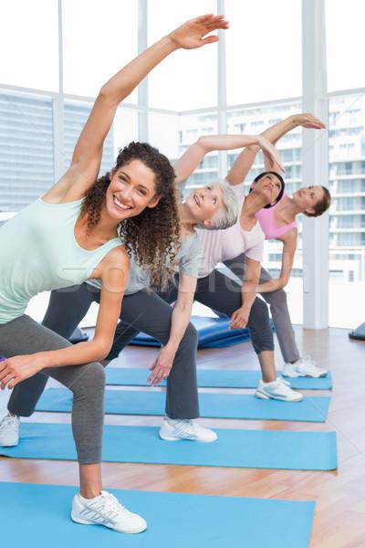 Foto d'archivio: Classe · mani · yoga · felice · femminile