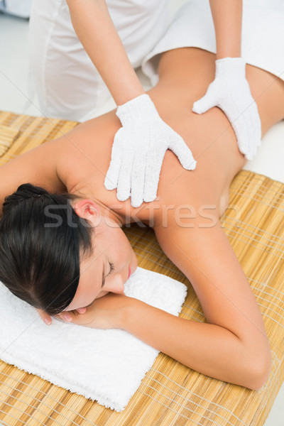 Paisible brunette Retour massage Photo stock © wavebreak_media