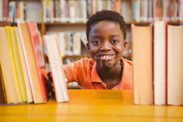 Portré aranyos fiú könyvtár kicsi diák Stock fotó © wavebreak_media